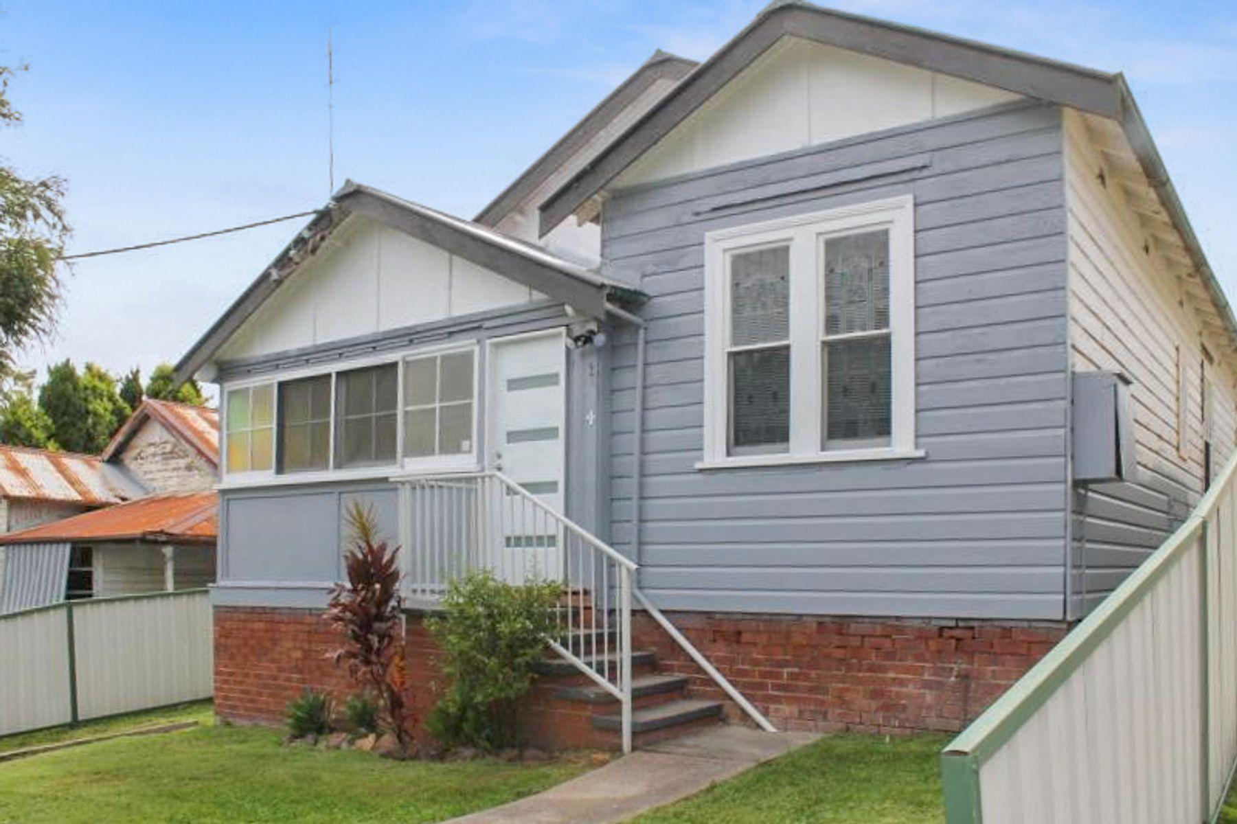 4 Walter Street, Belmont, NSW 2280
