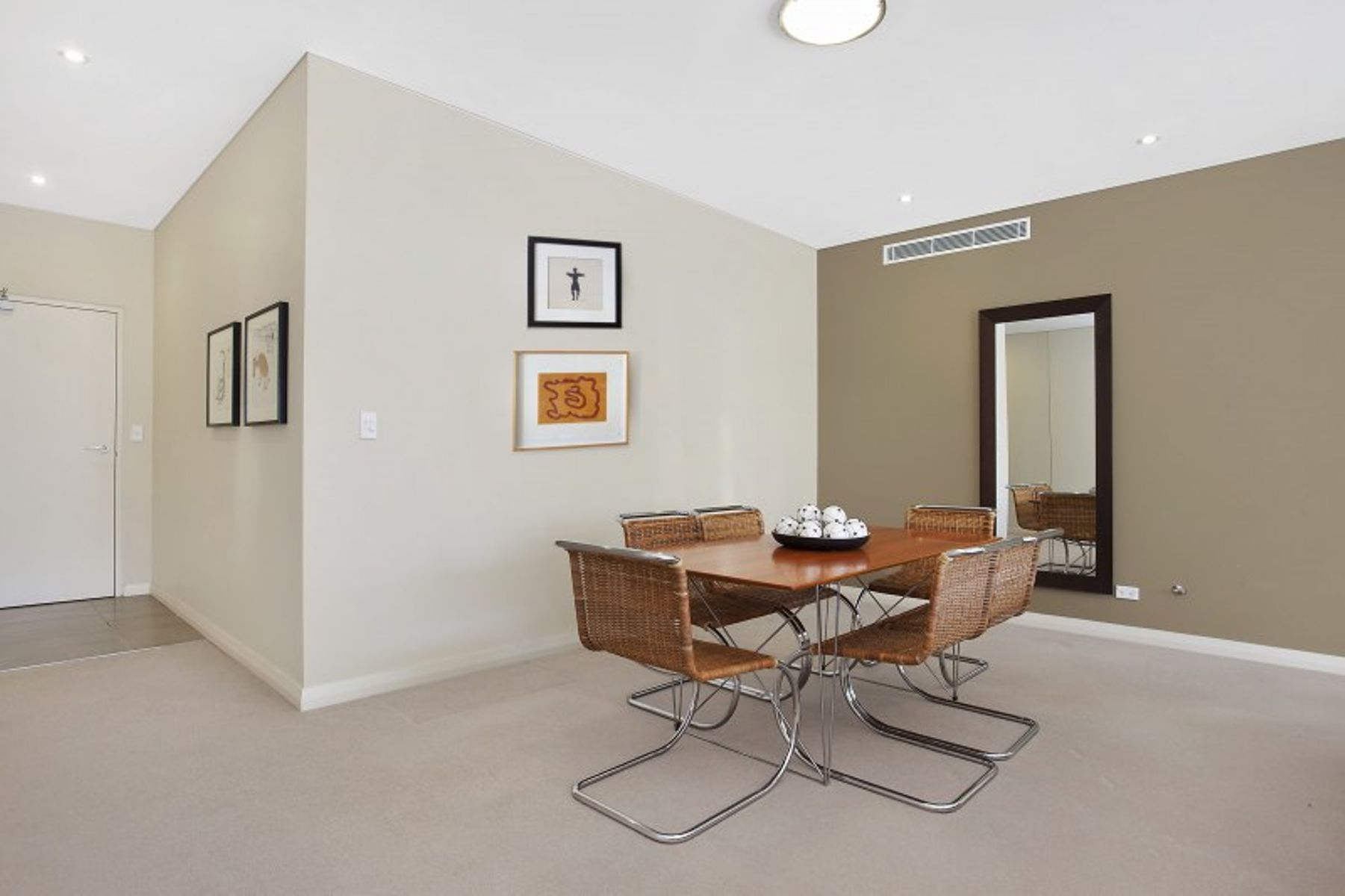2/12 Clydesdale Place