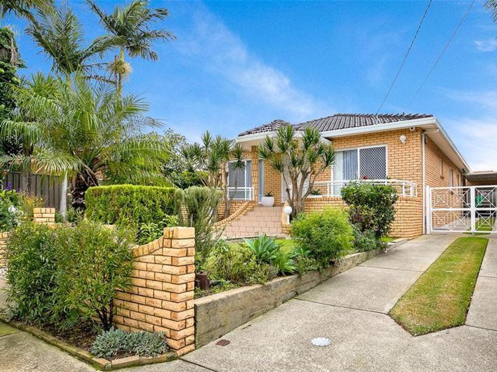 27 Fricourt Avenue, Earlwood, NSW 2206