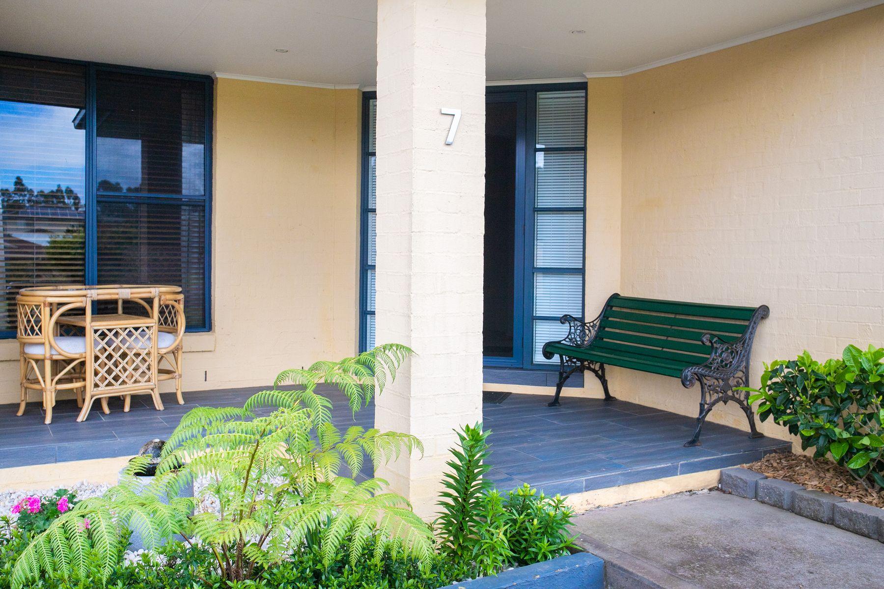7 Leichhardt Place, Sunshine Bay, NSW 2536