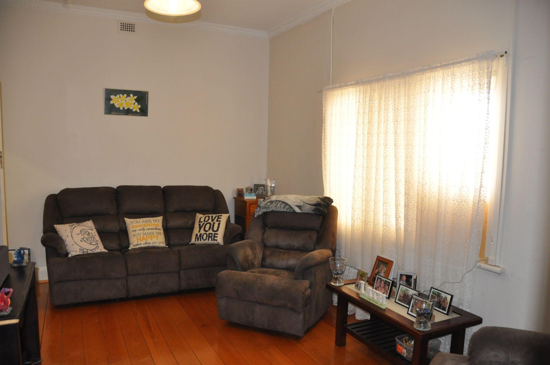 6 Lawrie Terrace, Waikerie, SA 5330