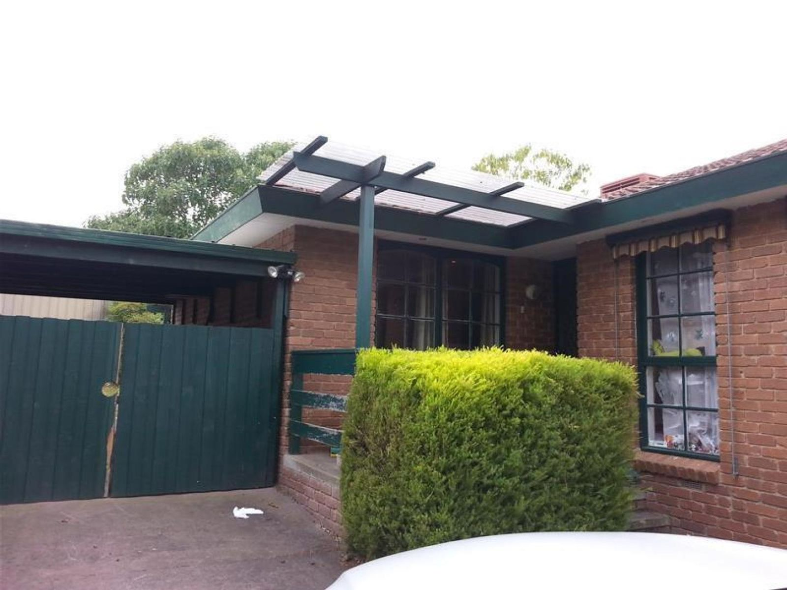 31 William Perry Close, Endeavour Hills, VIC 3802