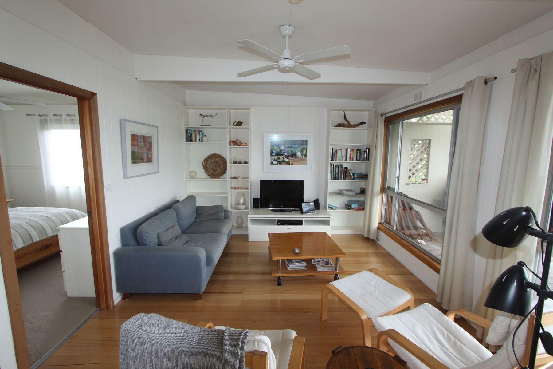 32 Outlook Drive, Lake Tyers Beach, VIC 3909
