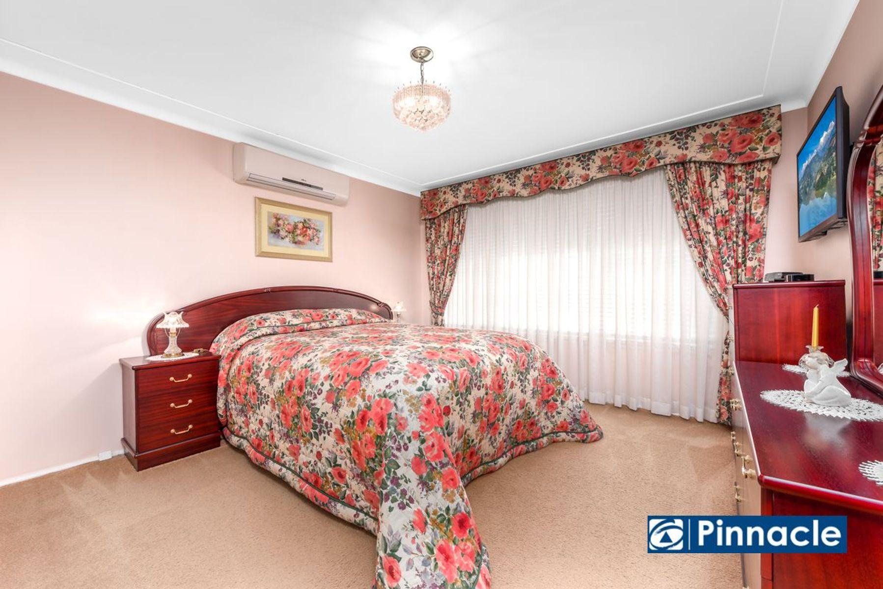 152 Ingleburn Road, Ingleburn, NSW 2565