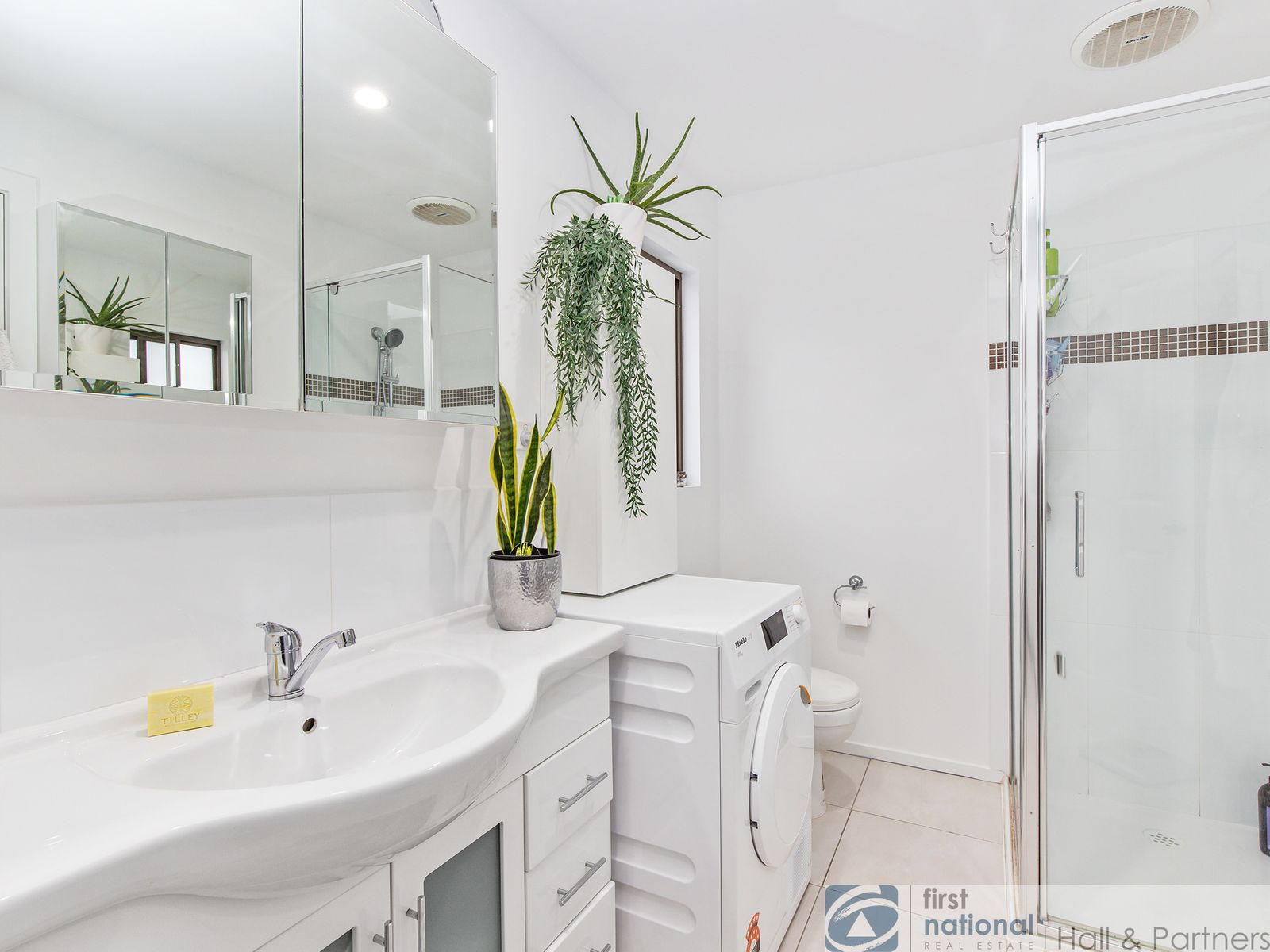 2/10 Cullimore Court, Dandenong, VIC 3175