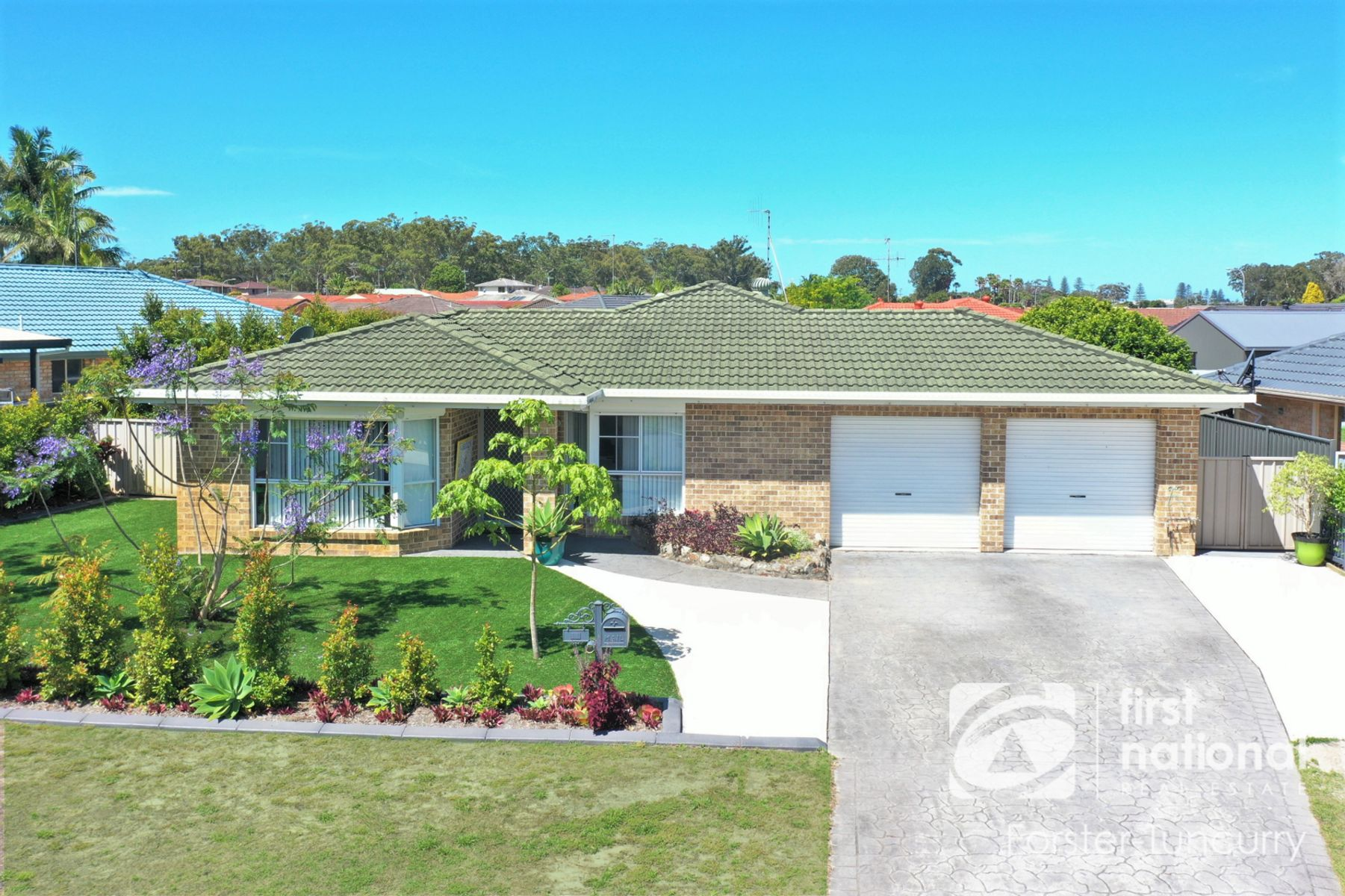 11 Oasis Parade, Tuncurry, NSW 2428