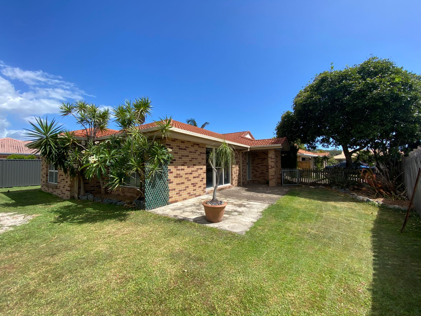16 Sparrow Place, Burleigh Waters, QLD 4220