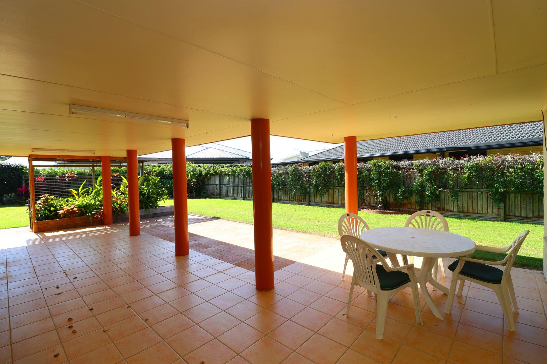 8 Treviso Court, Urangan, QLD 4655