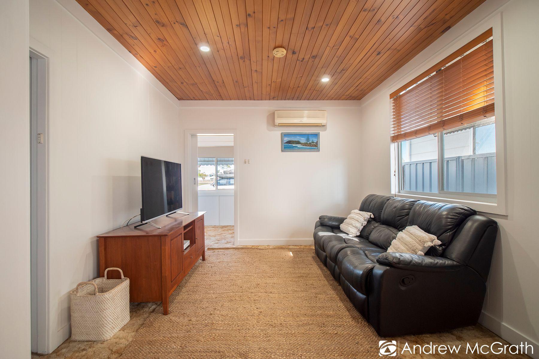 35 Gommera Street, Blacksmiths, NSW 2281