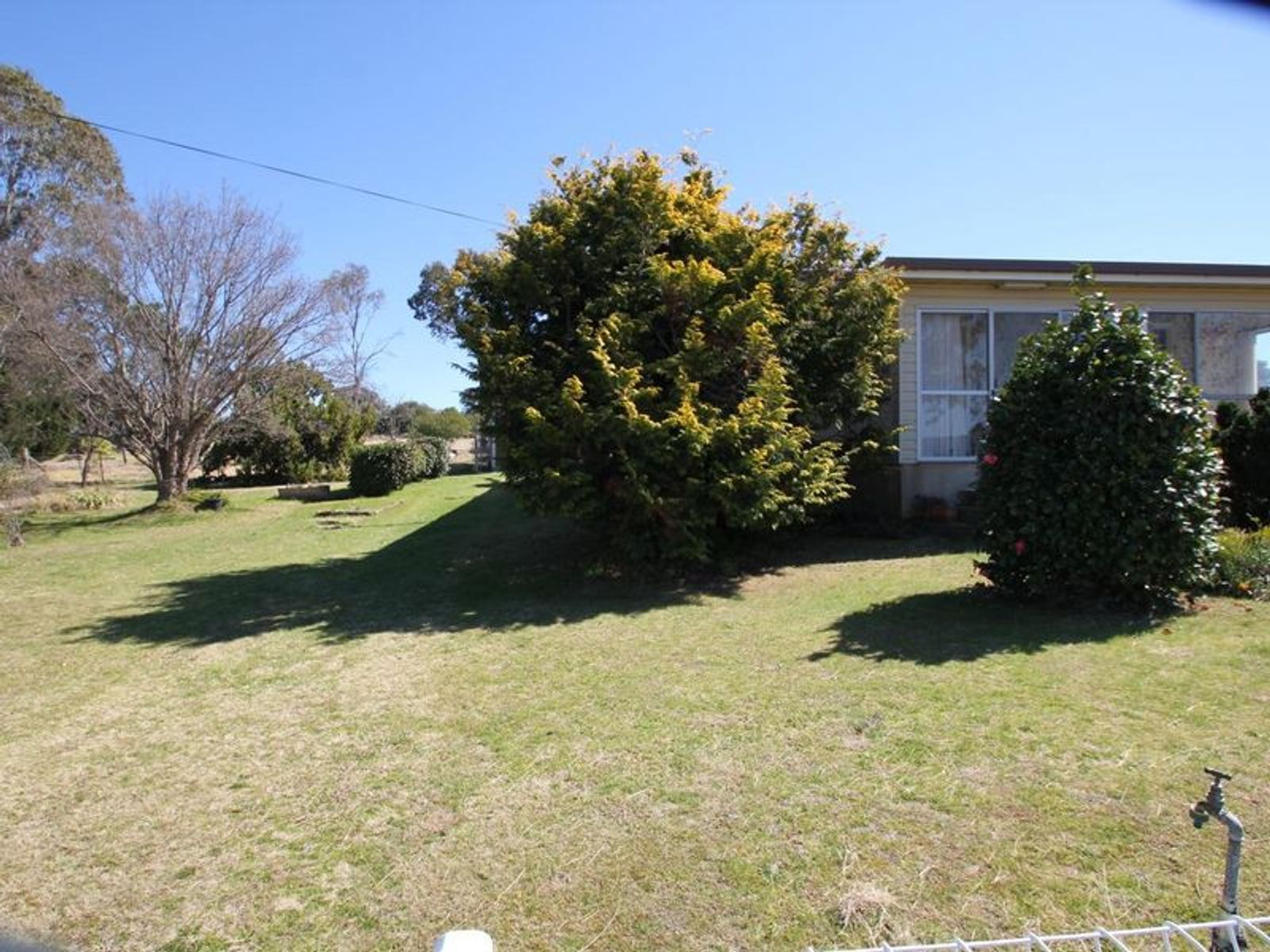 15 Phelhampton Crescent, Jennings, NSW 4383