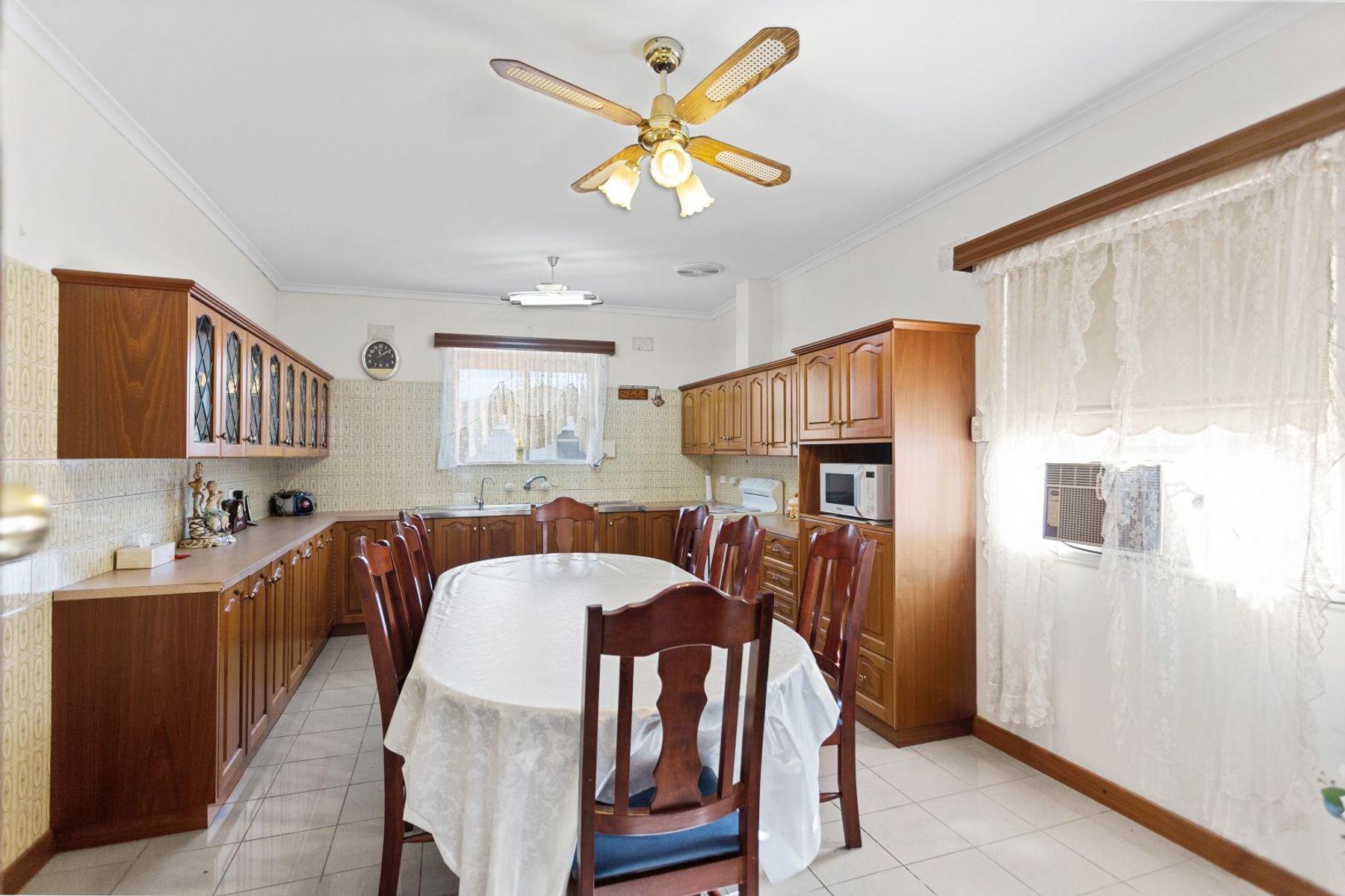 18 Fairfield Road, Elizabeth Grove, SA 5112