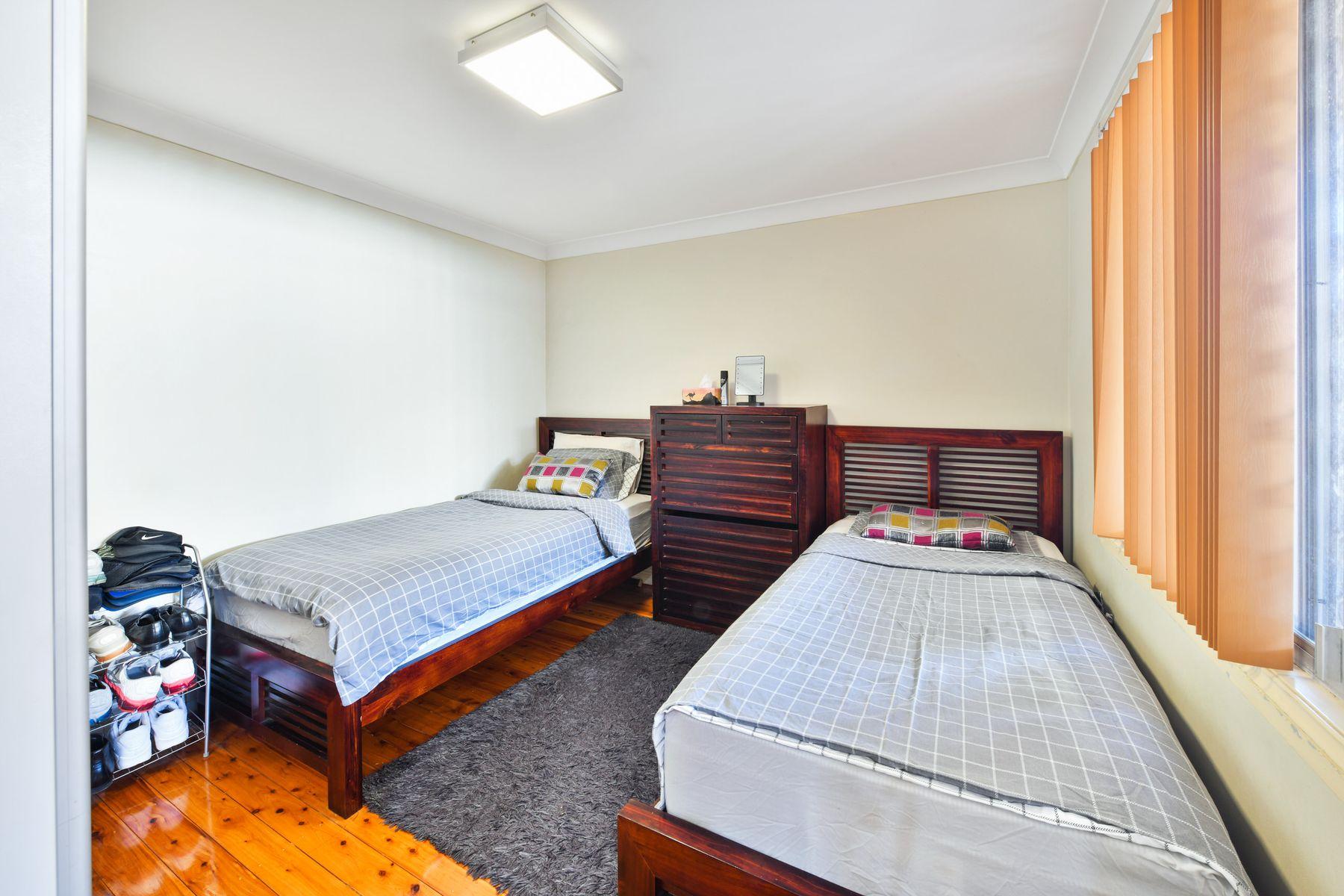 21 Narelle Crescent, Greenacre, NSW 2190