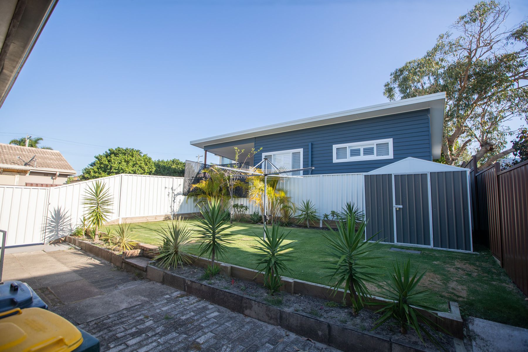 4 Caldwell Street, Caves Beach, NSW 2281