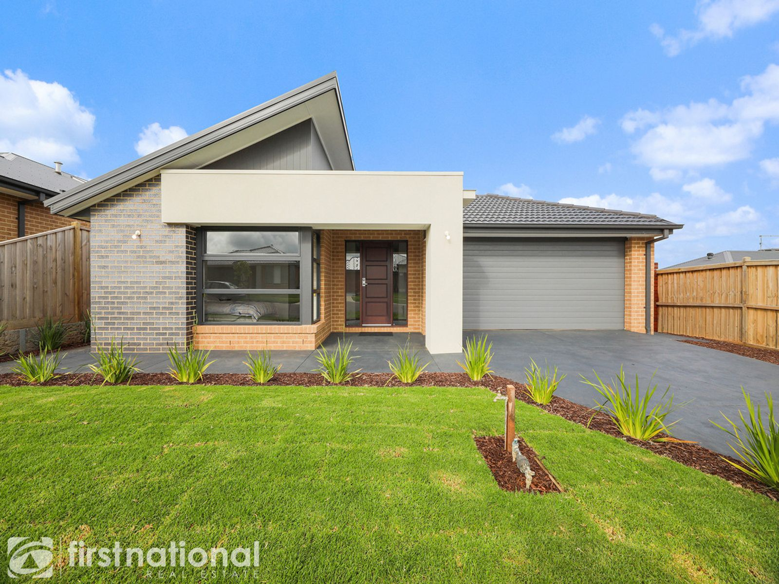 4 Henley Avenue, Warragul, VIC 3820