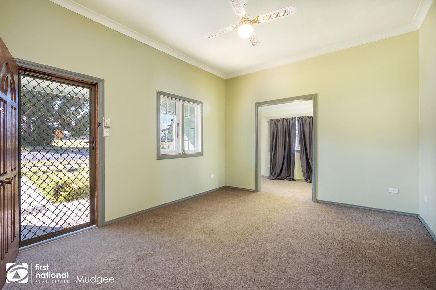 16 Goddard Street, Coolah, NSW 2843