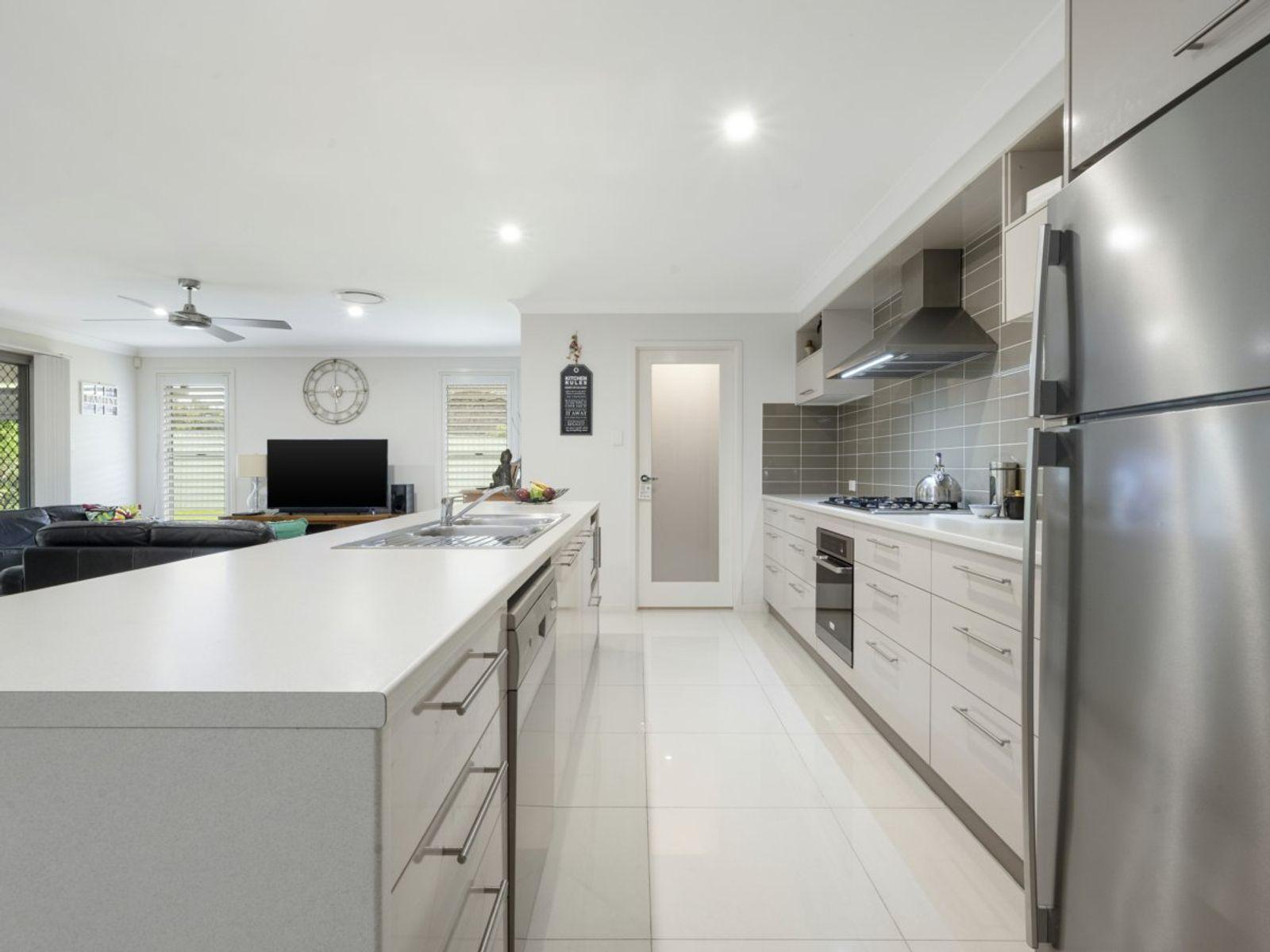 92 Hakone Road, Woongarrah, NSW 2259