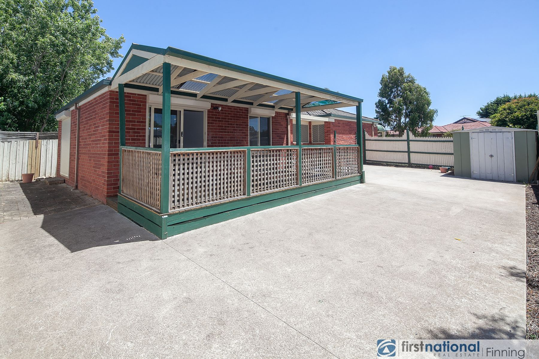 10 Seacombe Place, Cranbourne, VIC 3977
