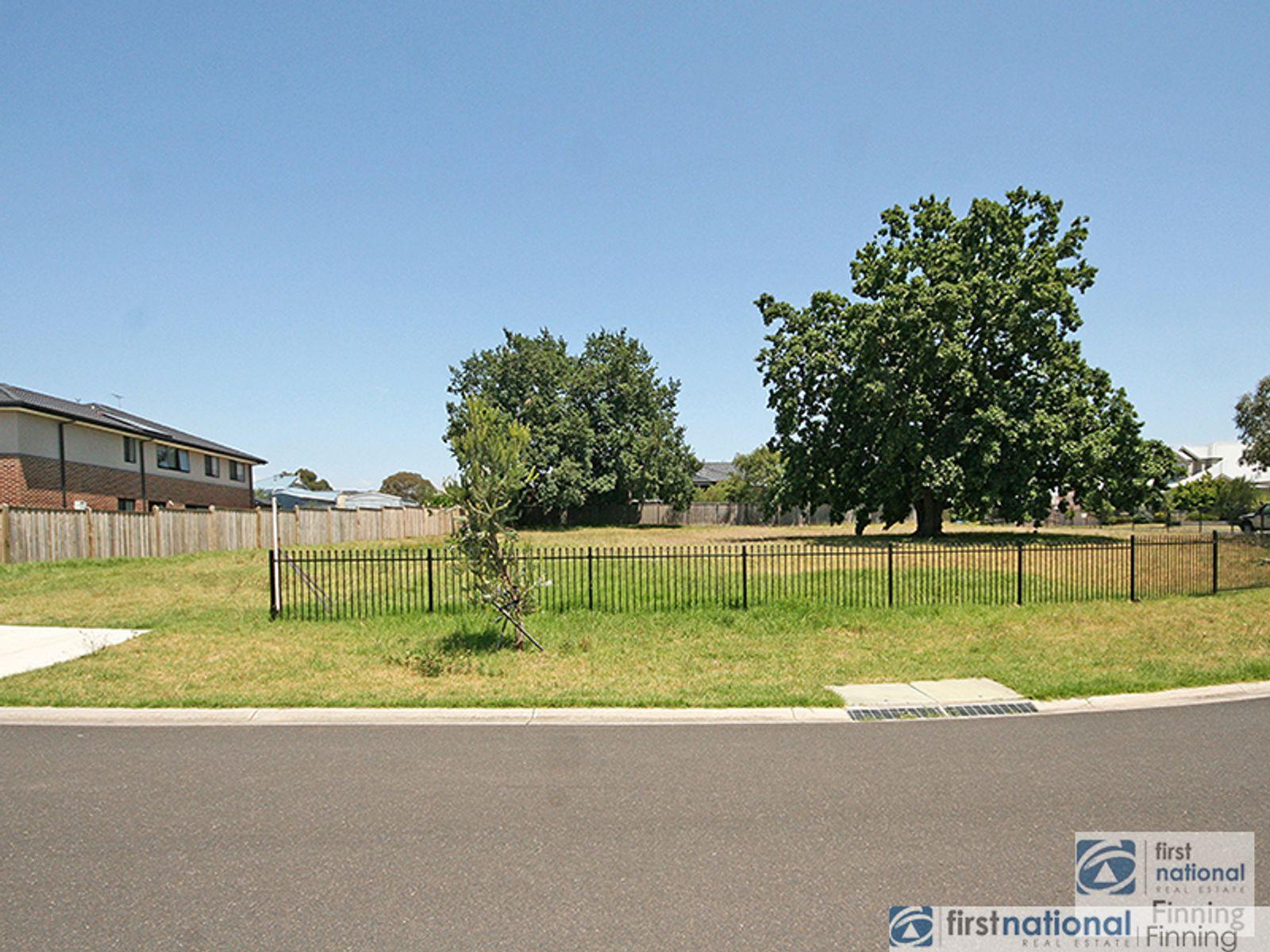 4 Hilda Way, Cranbourne, VIC 3977