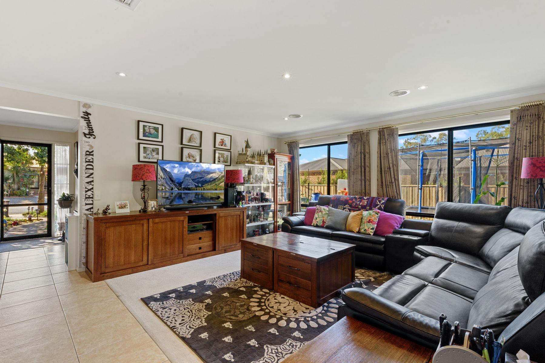 17  Bassett Drive, Strathfieldsaye, VIC 3551
