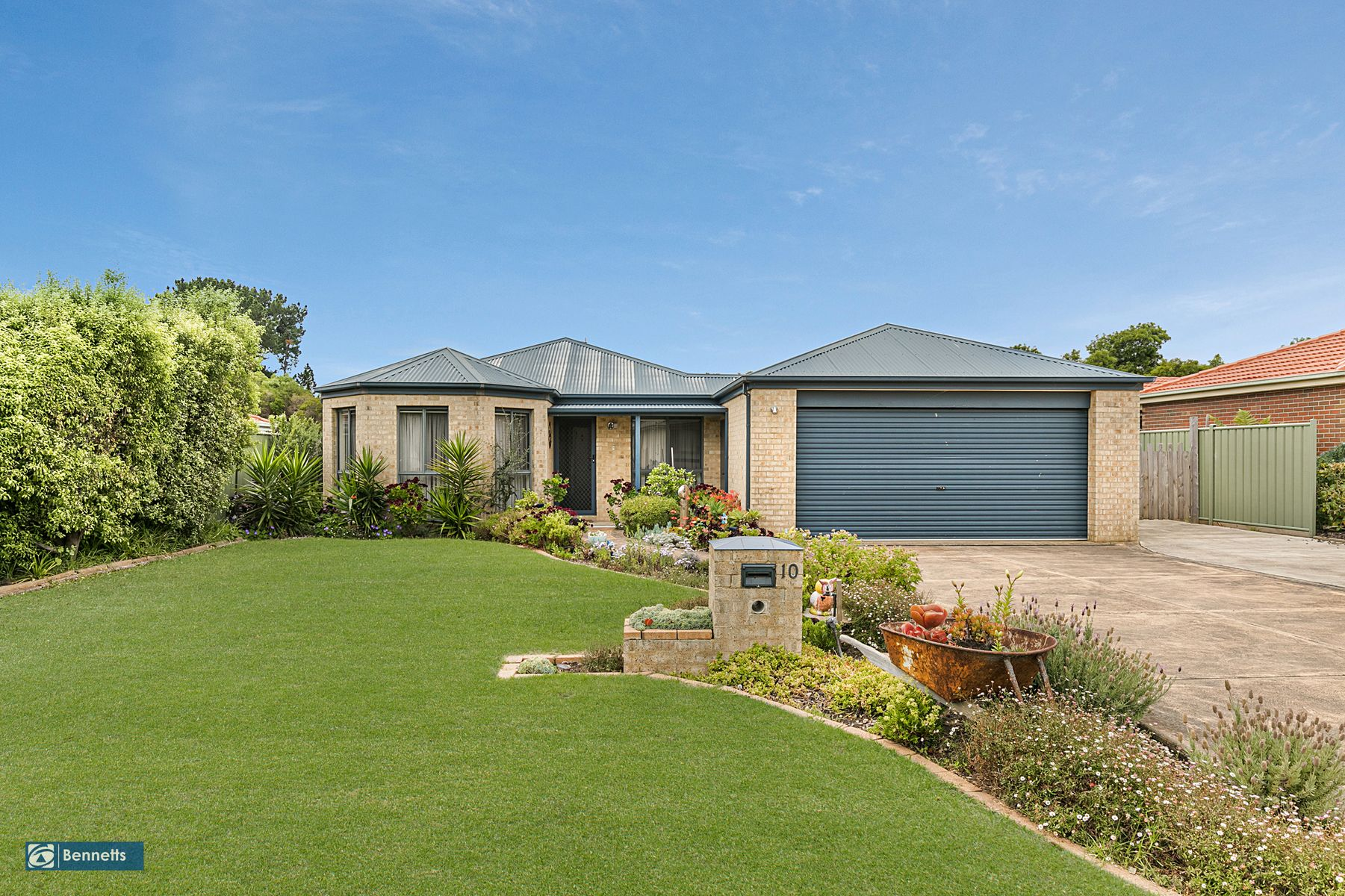 10 Golf Course Circle, Safety Beach, VIC 3936