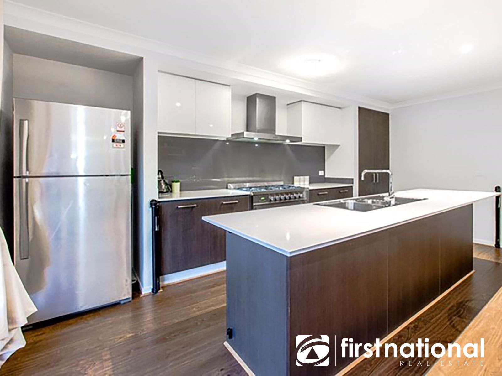 9 Fleuve Rise, Clyde North, VIC 3978