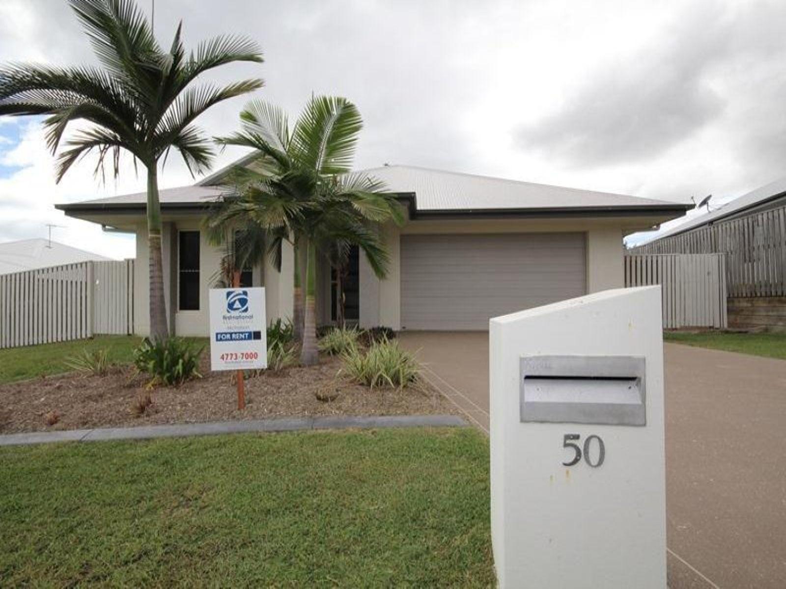 50 Rattray Street, Bushland Beach, QLD 4818