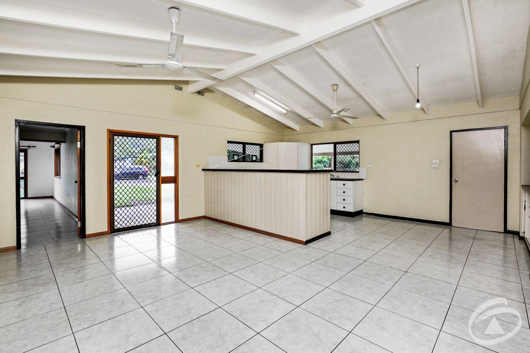 10 Pennine Close, Smithfield, QLD 4878