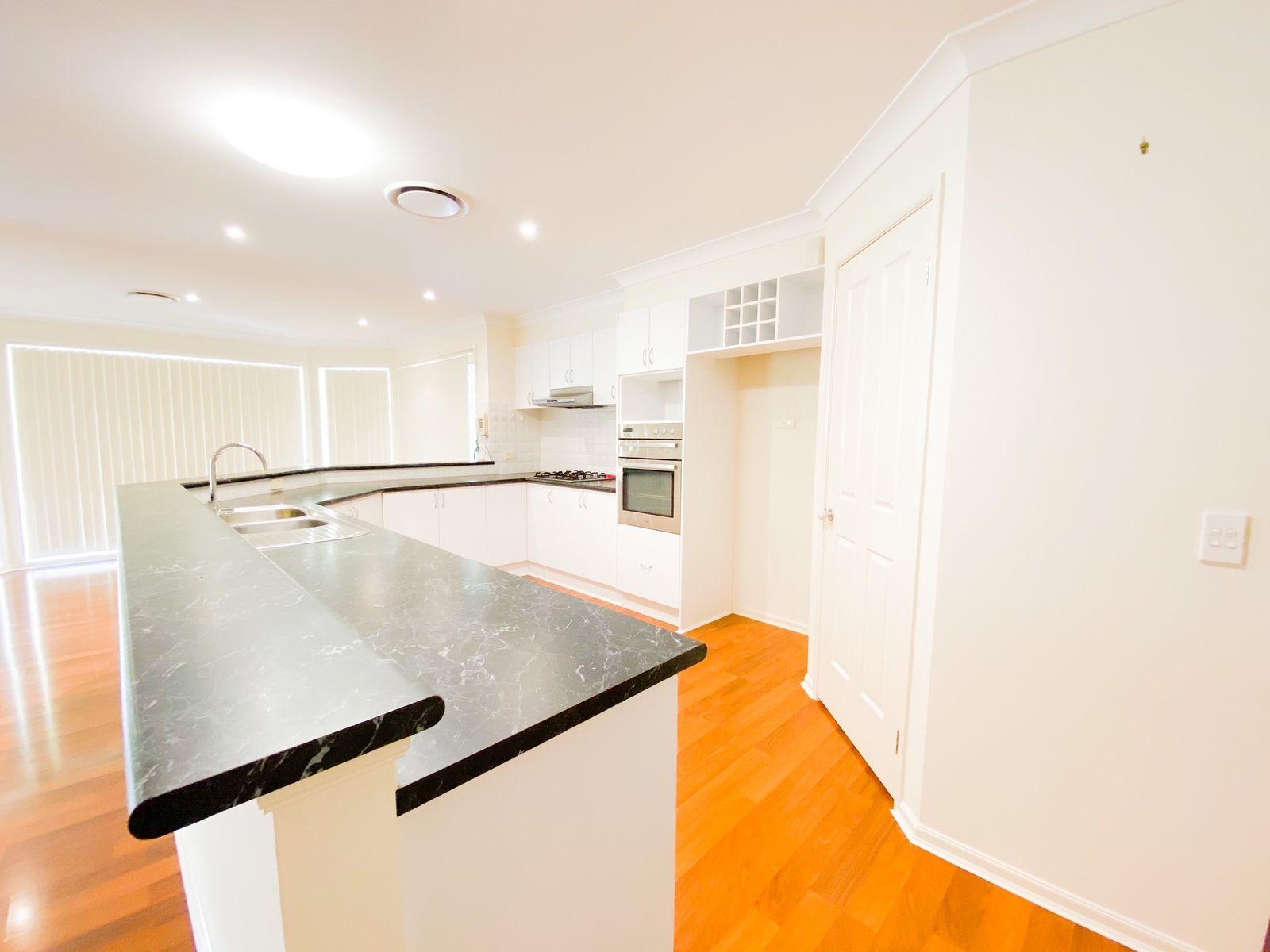 11 Greenwood Grove, Rutherford, NSW 2320
