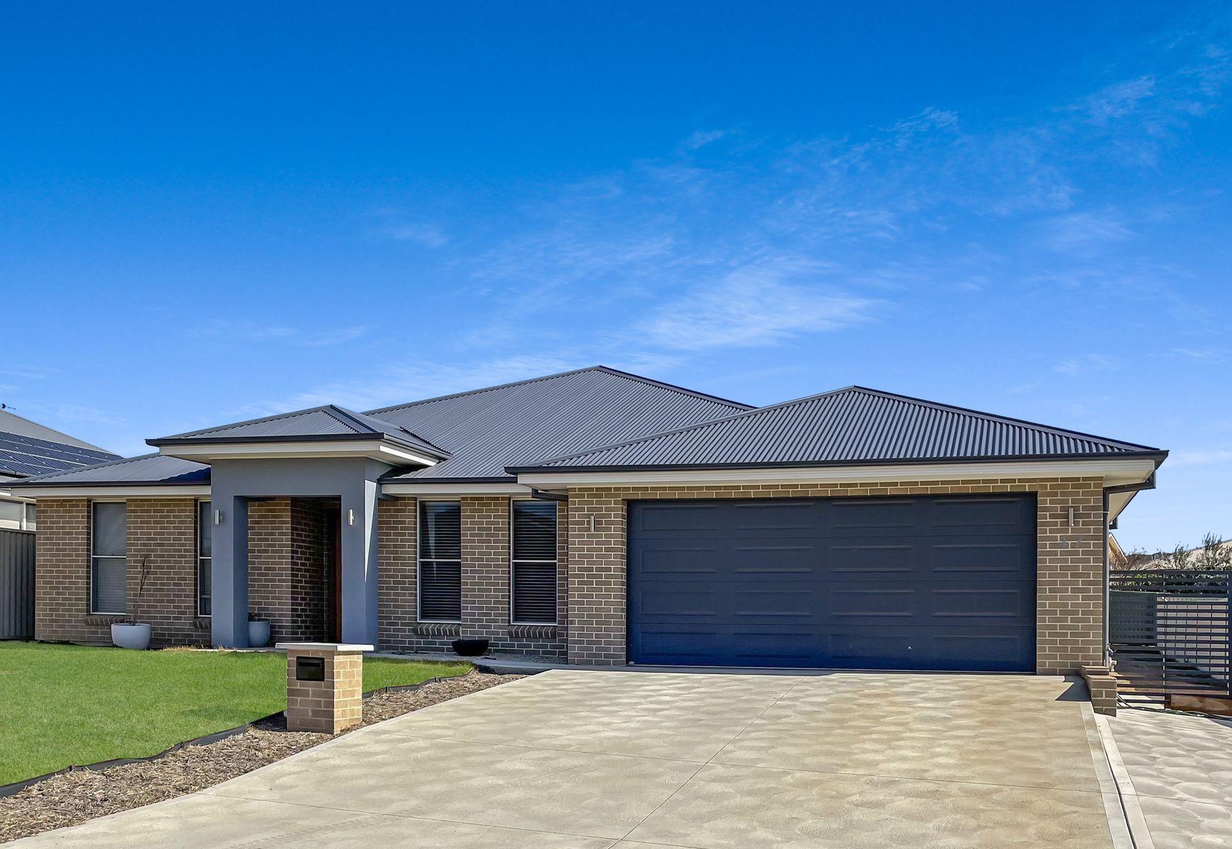 17 Basalt Way, Kelso, NSW 2795