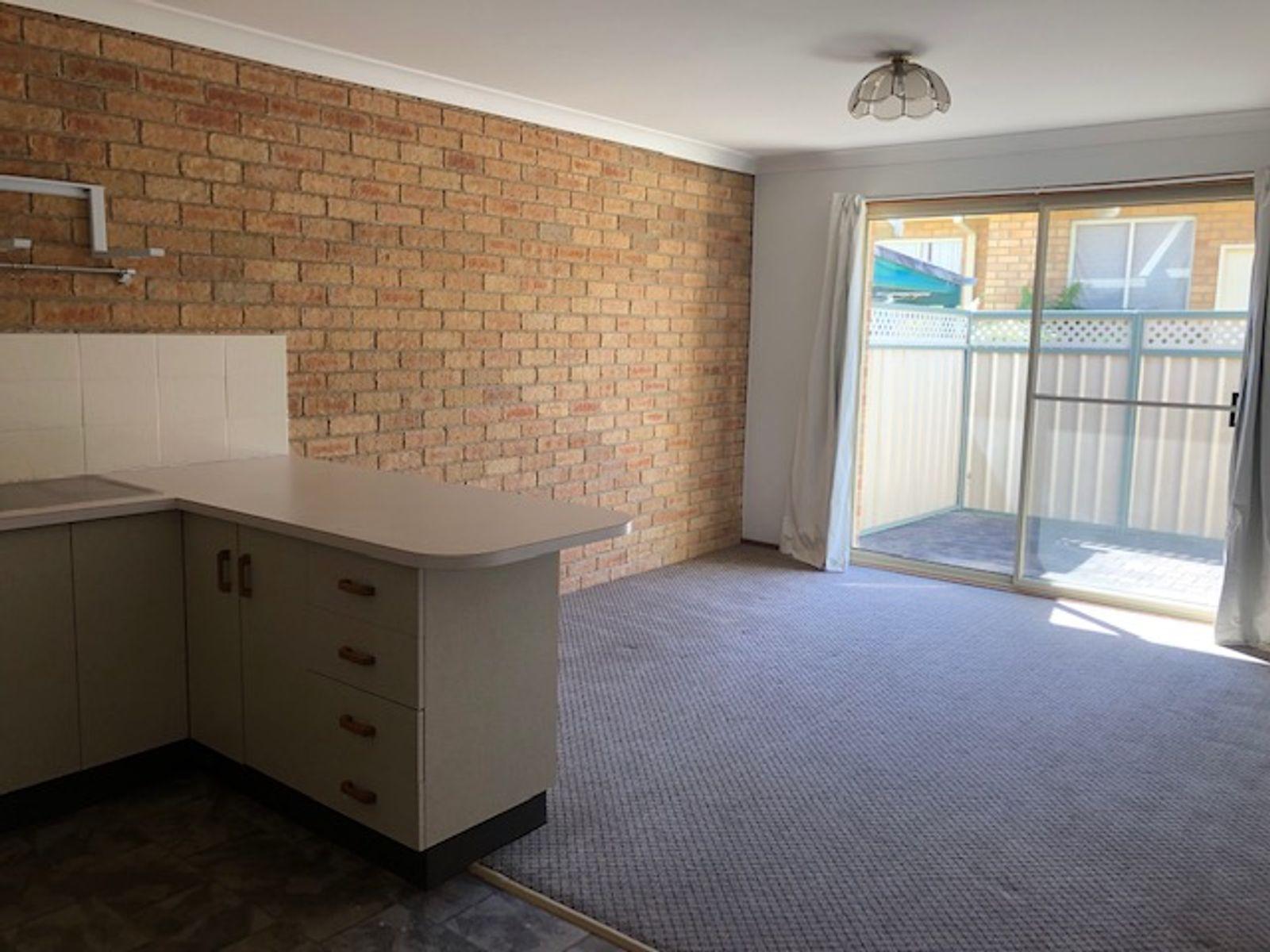 2/129 Edinburgh Drive, Taree, NSW 2430
