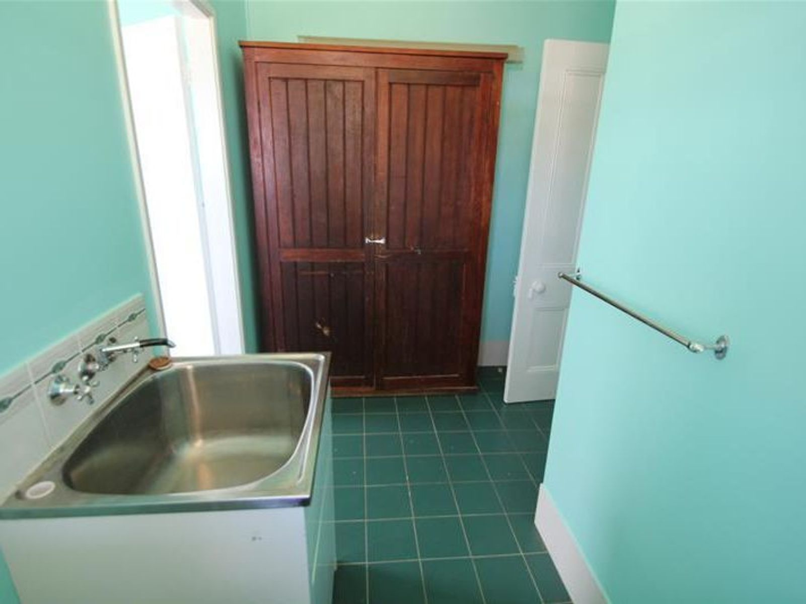 137 Logan Street, Tenterfield, NSW 2372