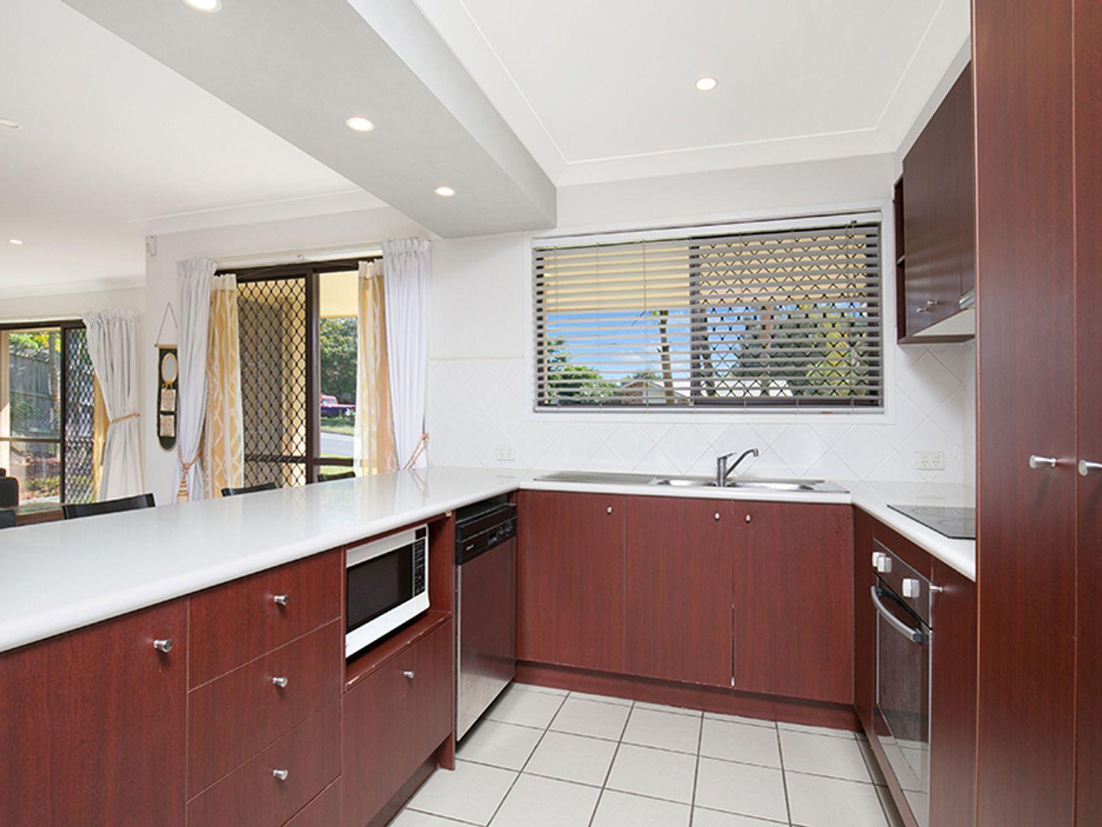 38 BARBARALLA DR, Springwood, QLD 4127