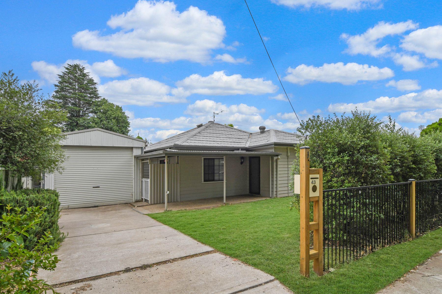 43 Seymour Street, Bathurst, NSW 2795