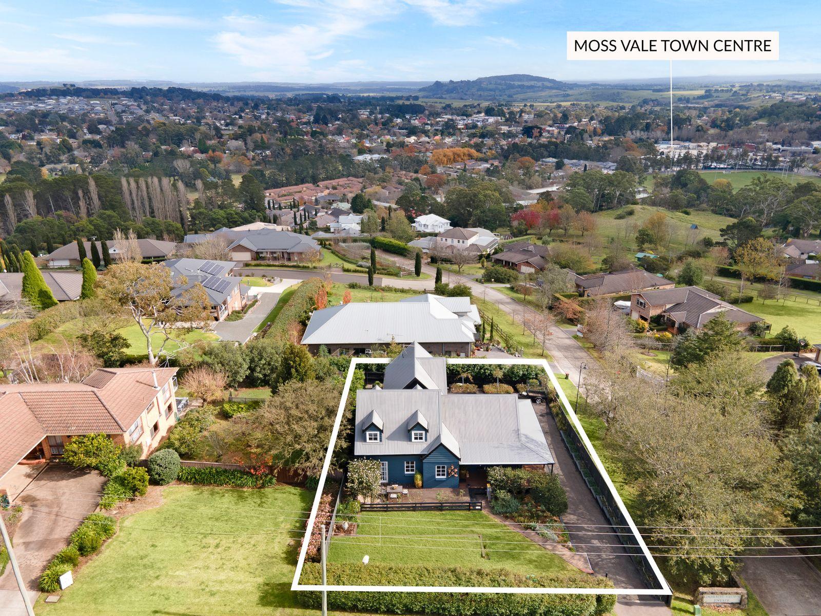 21 Dengate Crescent, Moss Vale, NSW 2577