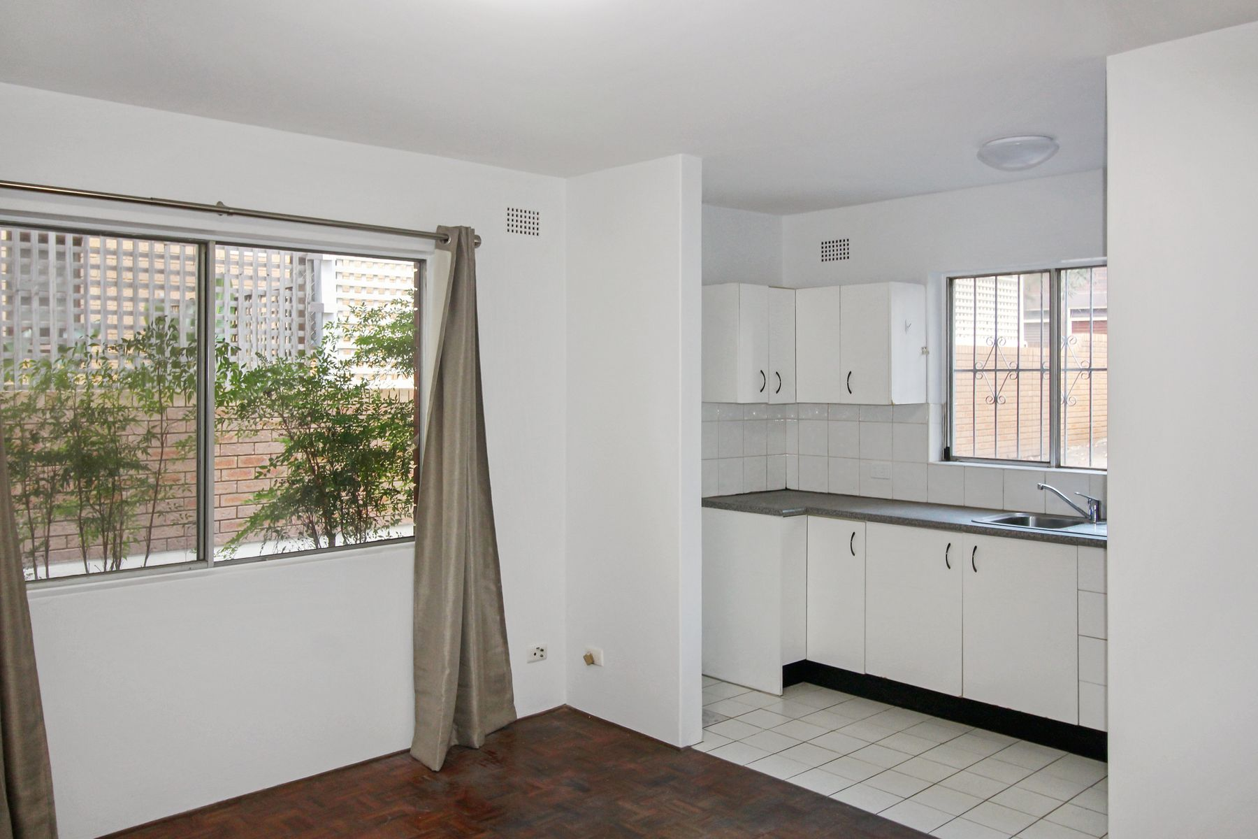 2/7 Cambridge Street, Gladesville, NSW 2111