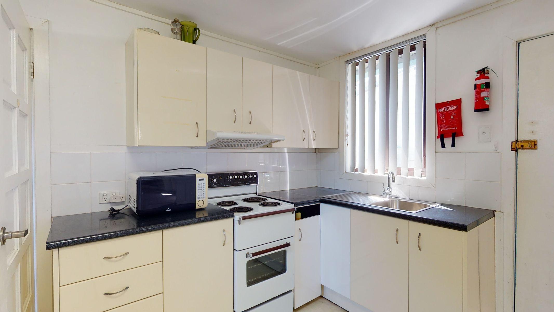 Flat 1/206 Marsden Street, Shortland, NSW 2307