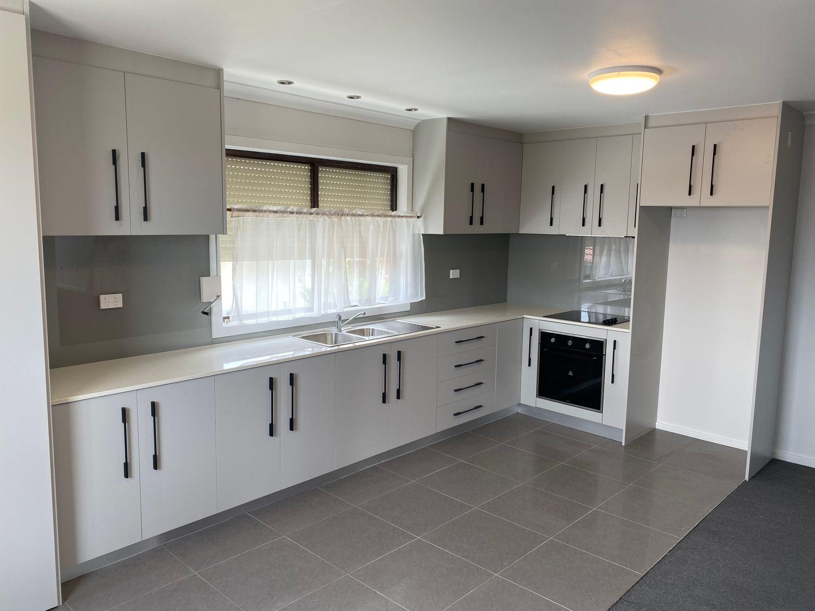 8 Cedar Close, Bossley Park, NSW 2176