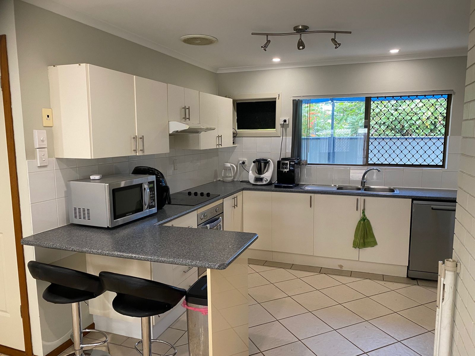 2/18 Clements Street, South Mackay, QLD 4740