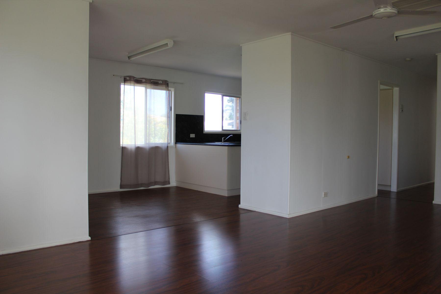 22 Holmes Avenue, Sarina, QLD 4737