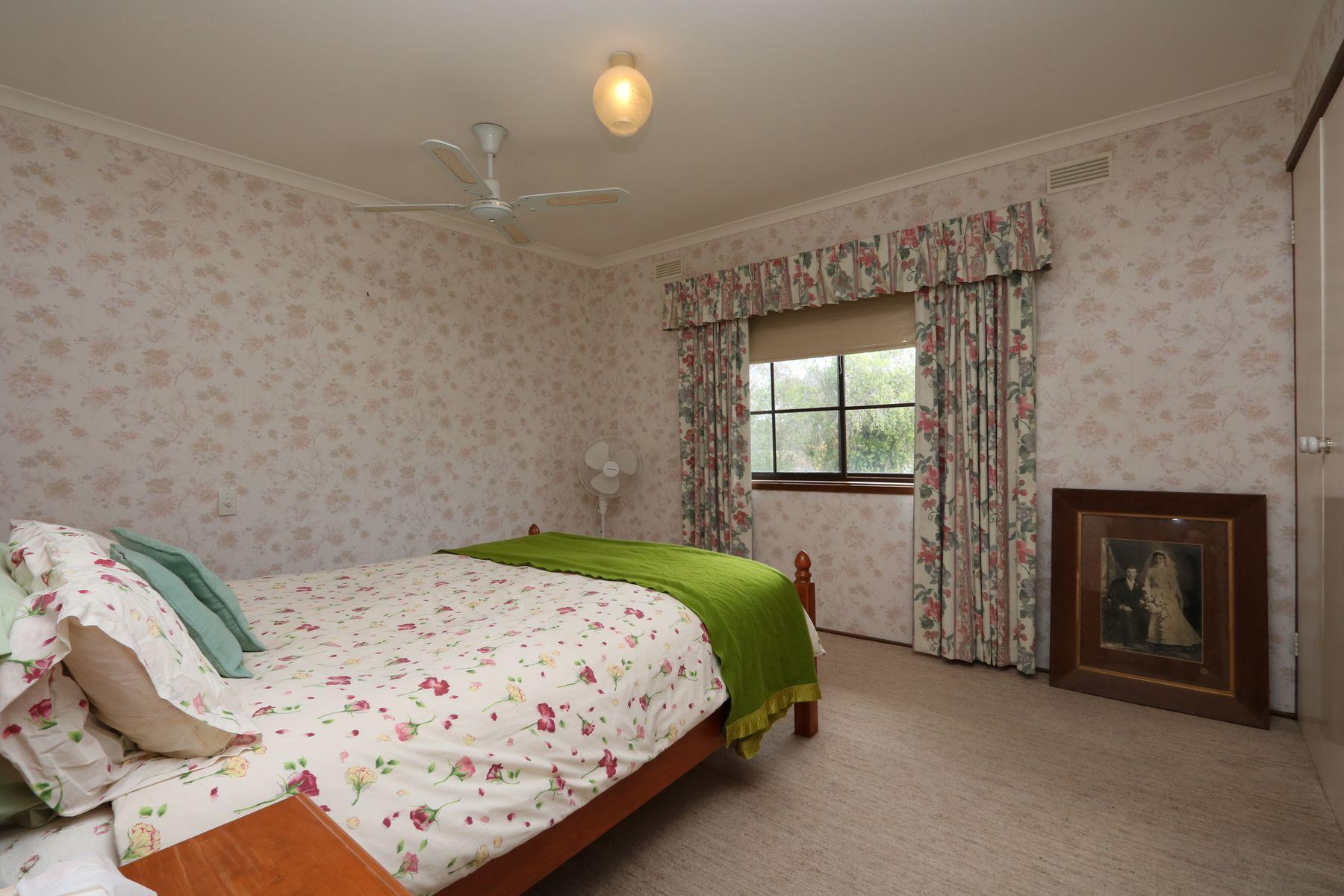 12 Grice Street, Carisbrook, VIC 3464