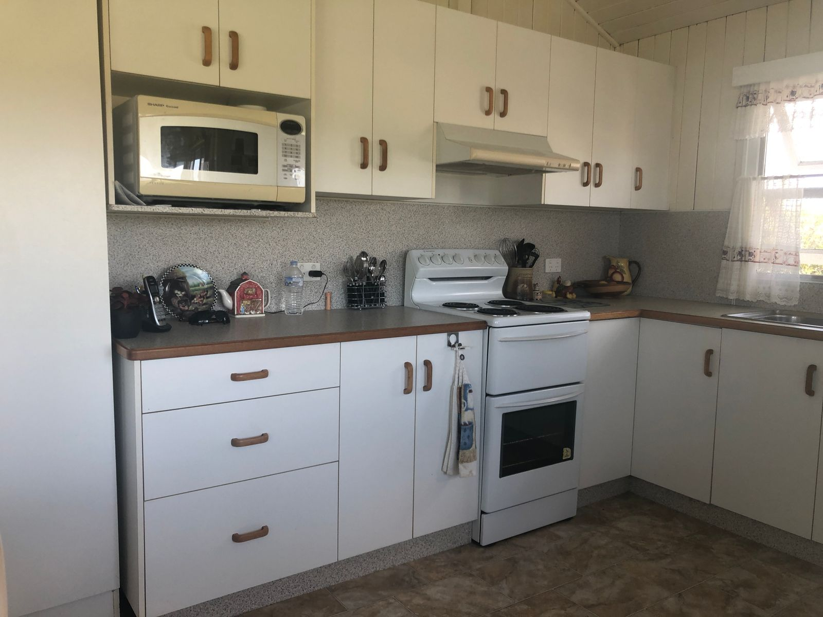 19 Burridges Road, McIlwraith, QLD 4671