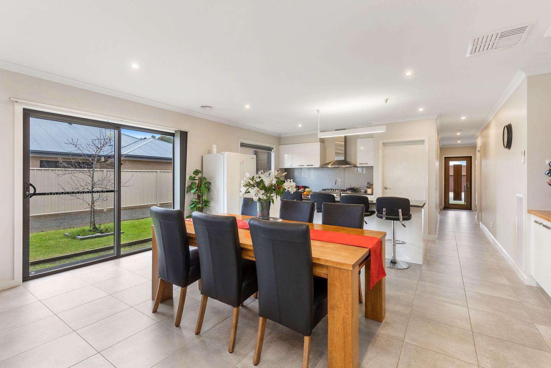 3 Dunvegan Terrace, Strathfieldsaye, VIC 3551