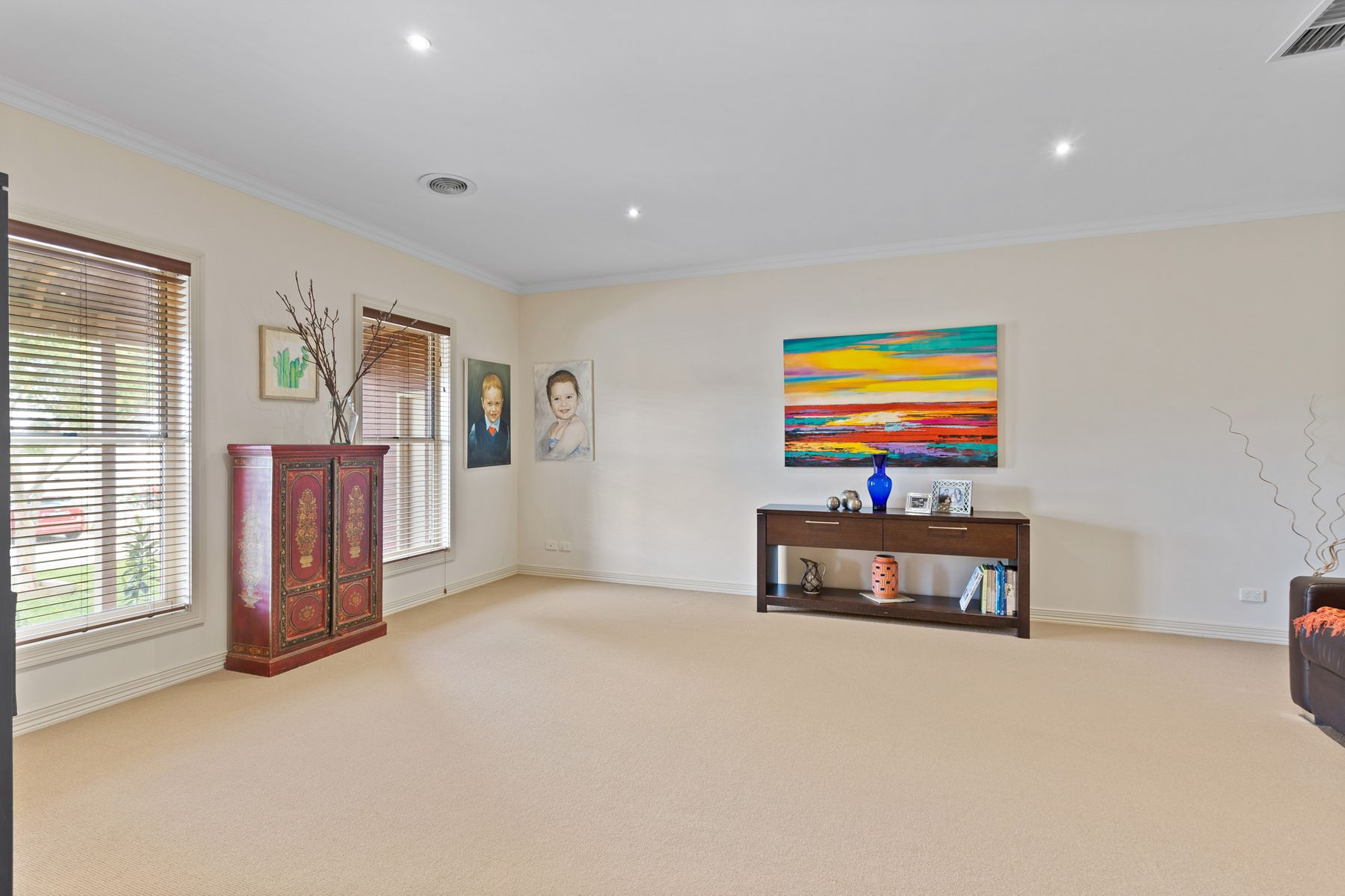 16 Isabella Grove, Strathdale, VIC 3550