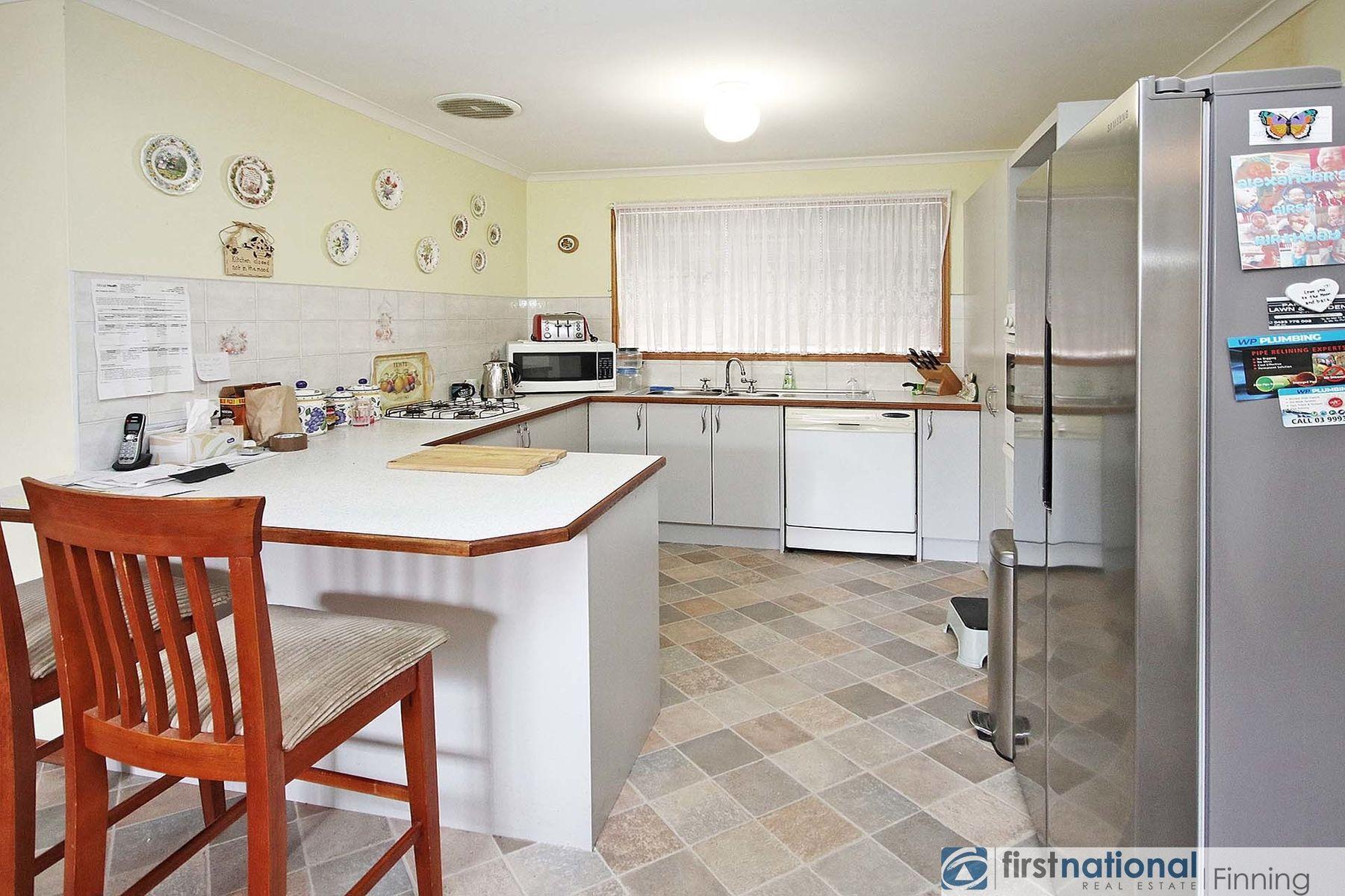 23 Andrea Crescent, Cranbourne North, VIC 3977