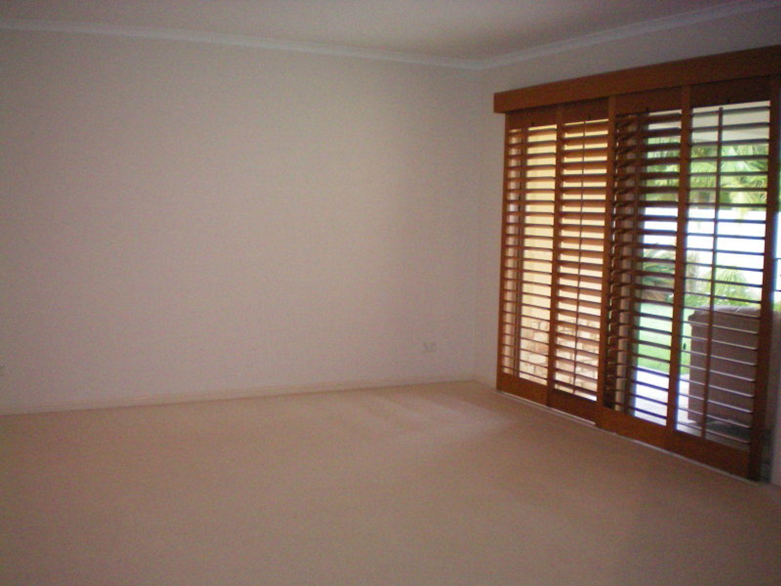 4 Ulrike Way, Benowa, QLD 4217