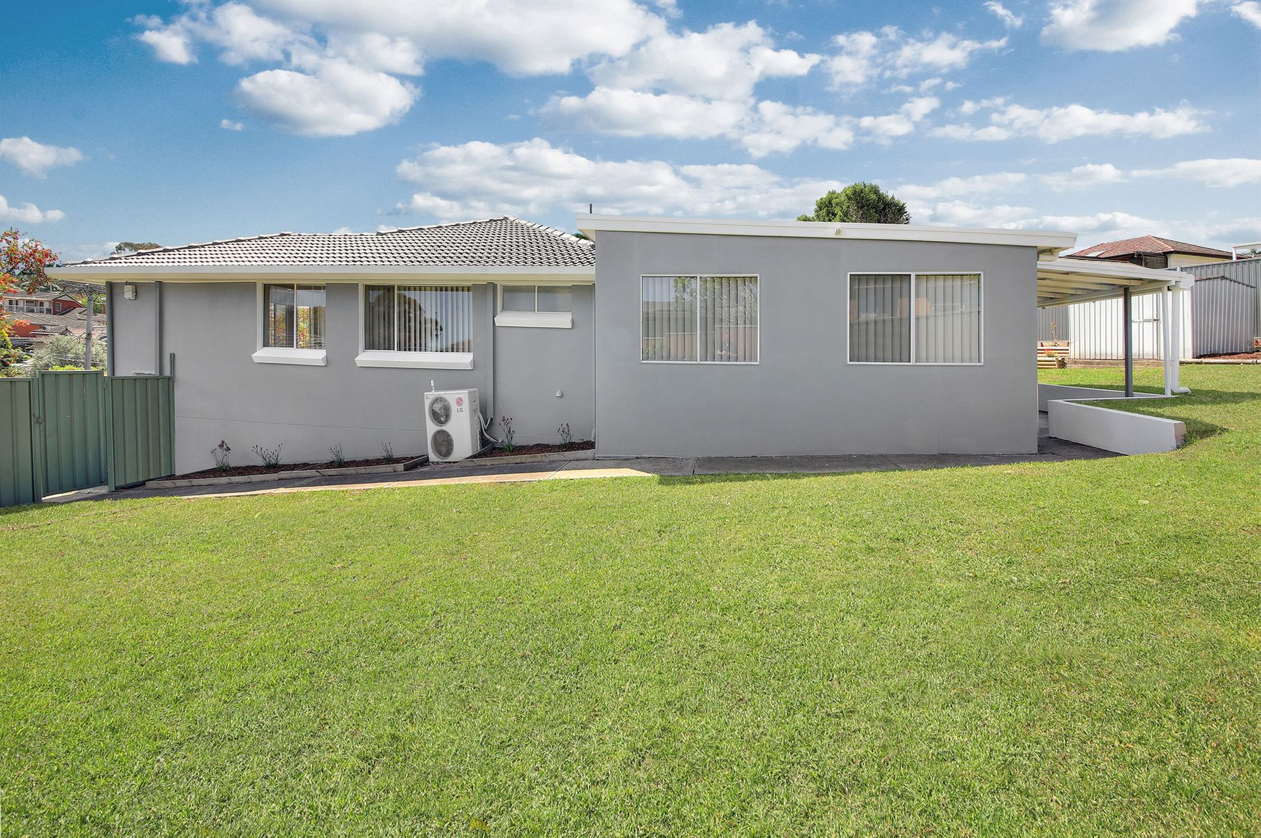 4 Bligh Close, Georges Hall, NSW 2198