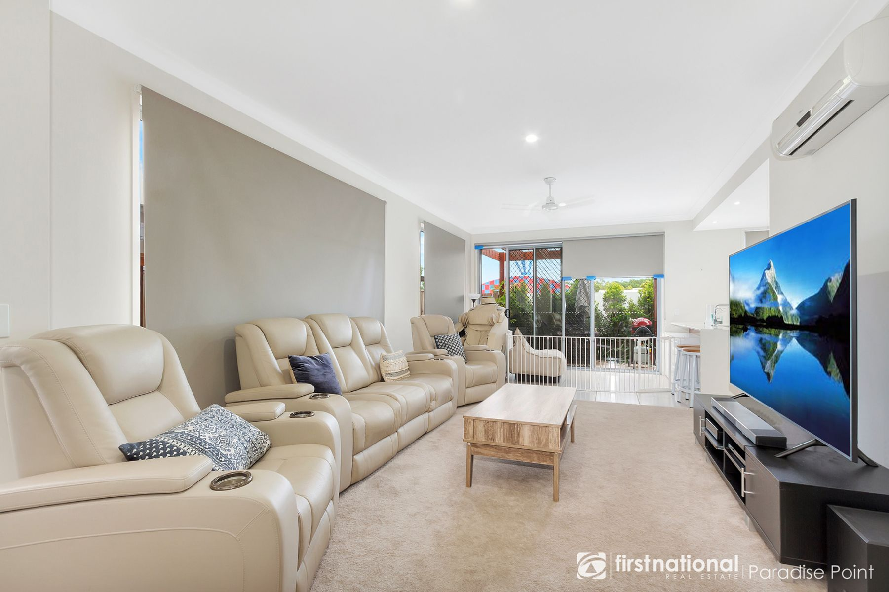 2 Waters Close, Hope Island, QLD 4212