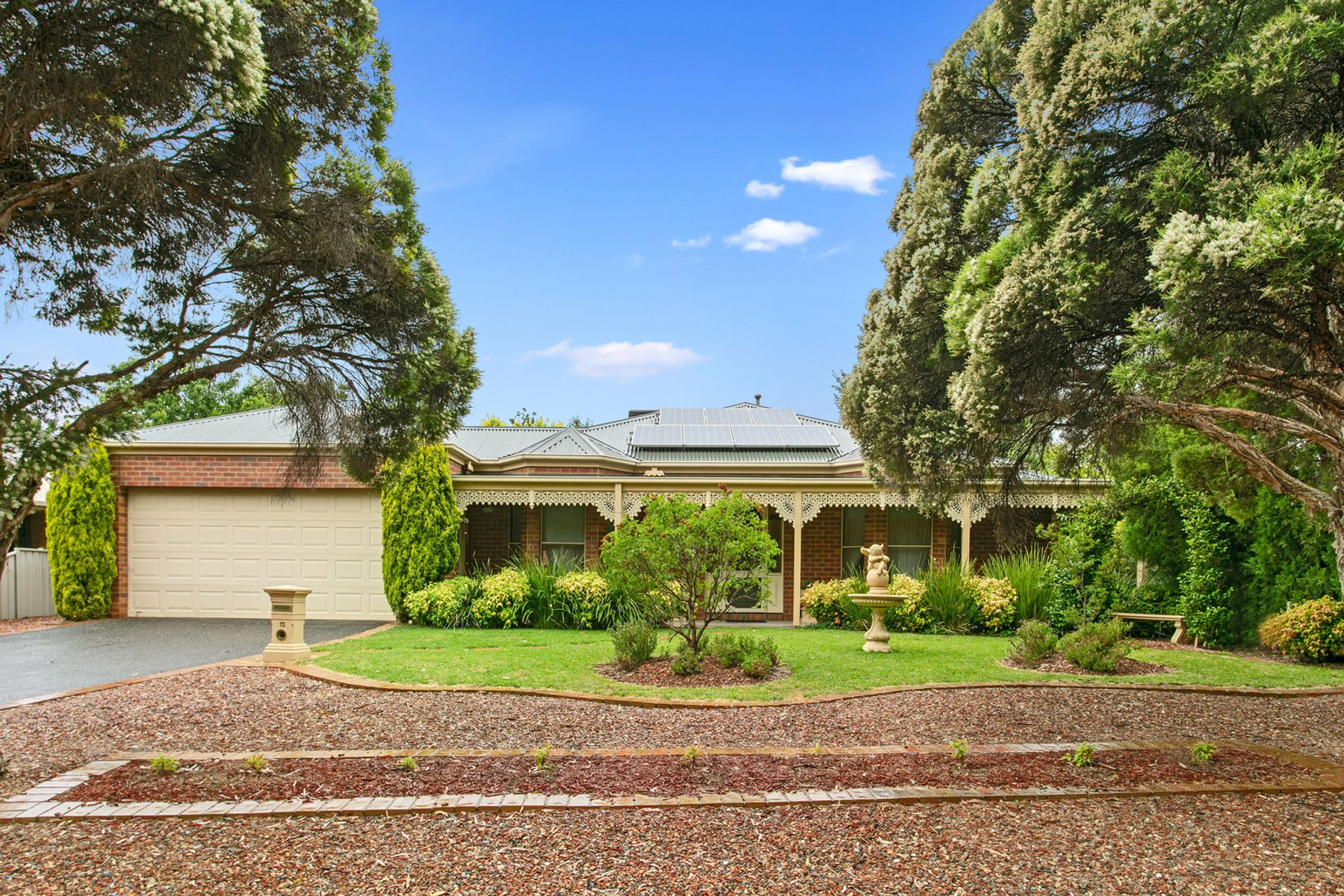 13 Wattle Drive, Spring Gully, VIC 3550