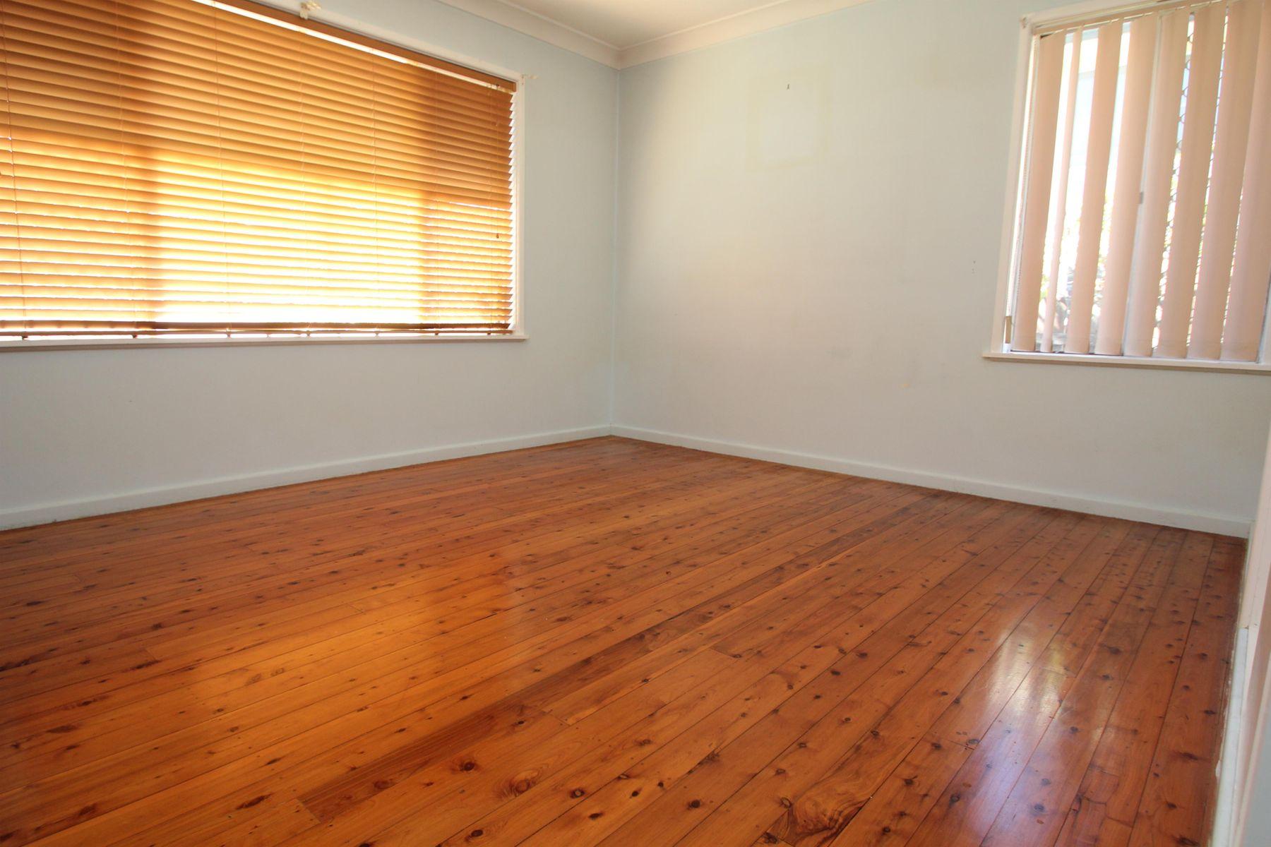 78 Logan Street, Tenterfield, NSW 2372