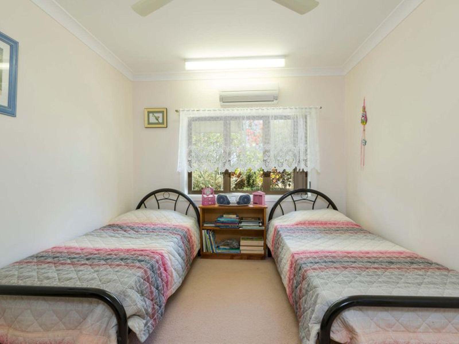 179 Etty Bay Road, Etty Bay, QLD 4858